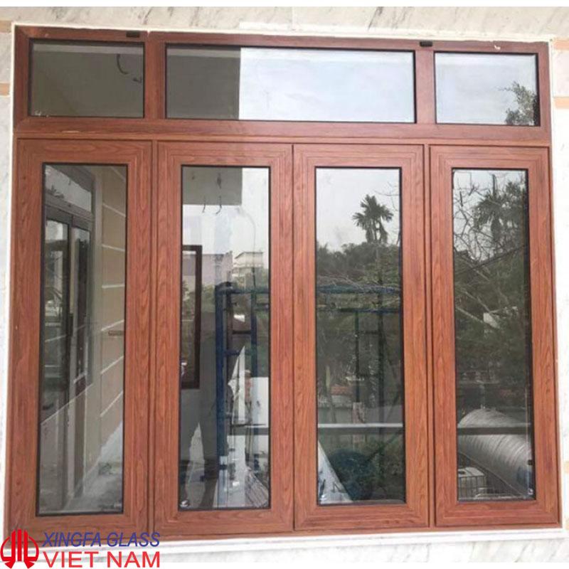Cửa sổ mở hất 4 cánh nhôm Xingfa màu vân gỗ