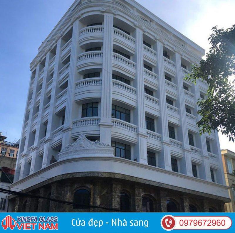 Khách Sạn Phố Trần Nhân Tông Hà Nội Sử Dụng Cửa Nhôm Xingfa