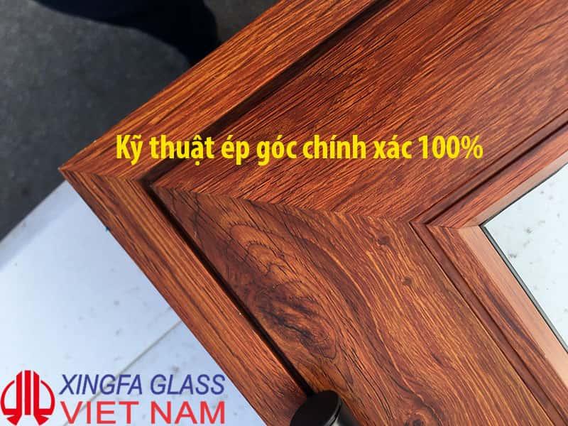 Chất lượng cửa nhôm Xingfa ép góc đạt chuẩn 100% bằng máy cắt tự động CNC kết hợp với công nghệ ép 3 Dao