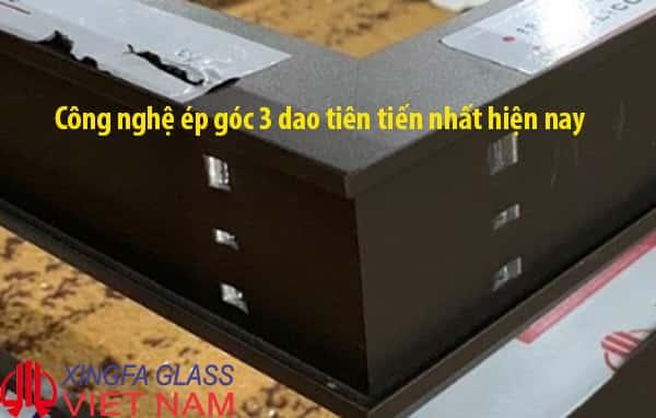 Kỹ thuật ép góc cửa nhôm XINGFA sử dụng công nghệ ép góc 3 dao mới nhất hiện nay đạt chuẩn Quốc Tế